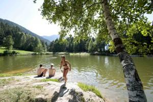 Sonne, Berge und ein klarer See: Badespaß total in Tirol West     Foto: Maro und Partner / TVB Tirol West  c Albin Niederstrasser
