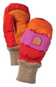 Hestra Sch 252 Tzt Kinder Mit Tollen Handschuhen Vor Der