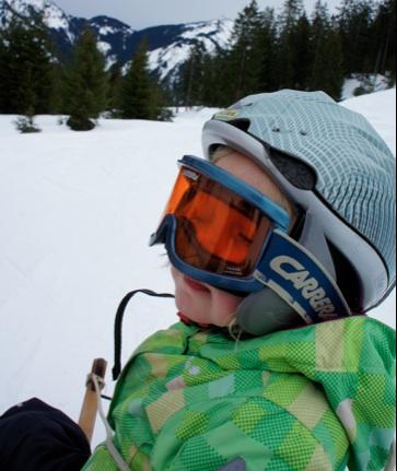 Helm auf, Brille ran und schon geht´s runter nach Marquartstein.  Foto: (c) Kinderoutdoor.de