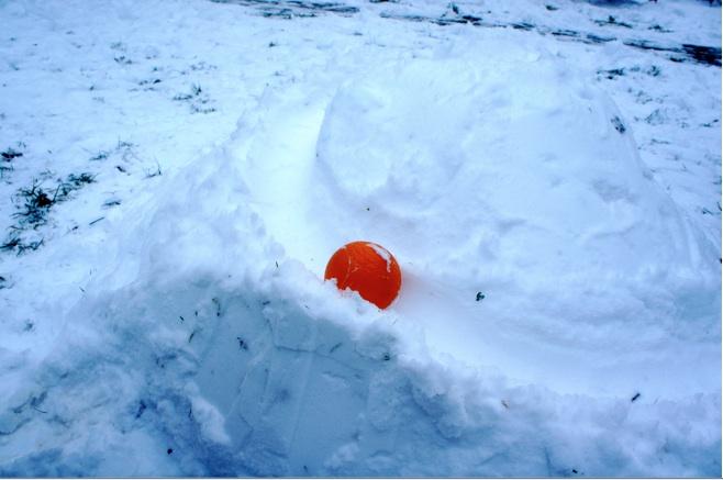 Die Kugel rollt, auf Eurer tollen Schneebahn!Foto: (c) Kinderoutdoor.de