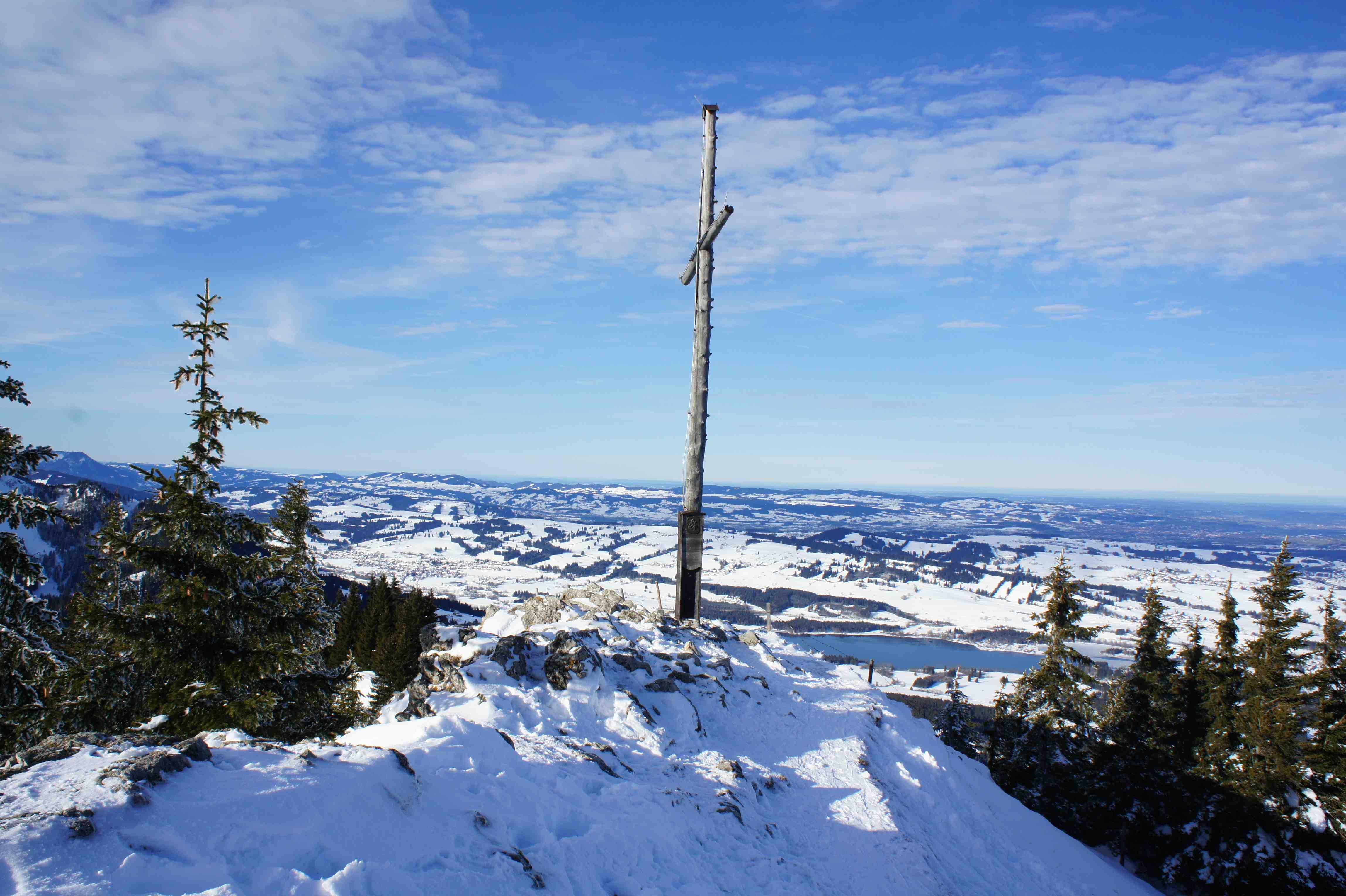 Auf der Alpspitze angekommen mit wenig Gewicht im Rucksack.   Foto: (c) Kinderoutdoor.de