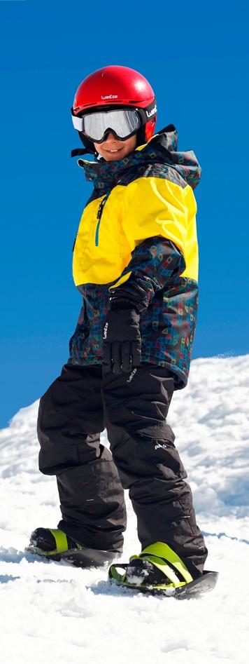 Eine Mischung aus Schneeschuh, Plastikbob und Ski sind die Runslide von Wed´ze. Die flotten Teile bieten viel Spaß im Schnee. Foto: (c) Decathlon