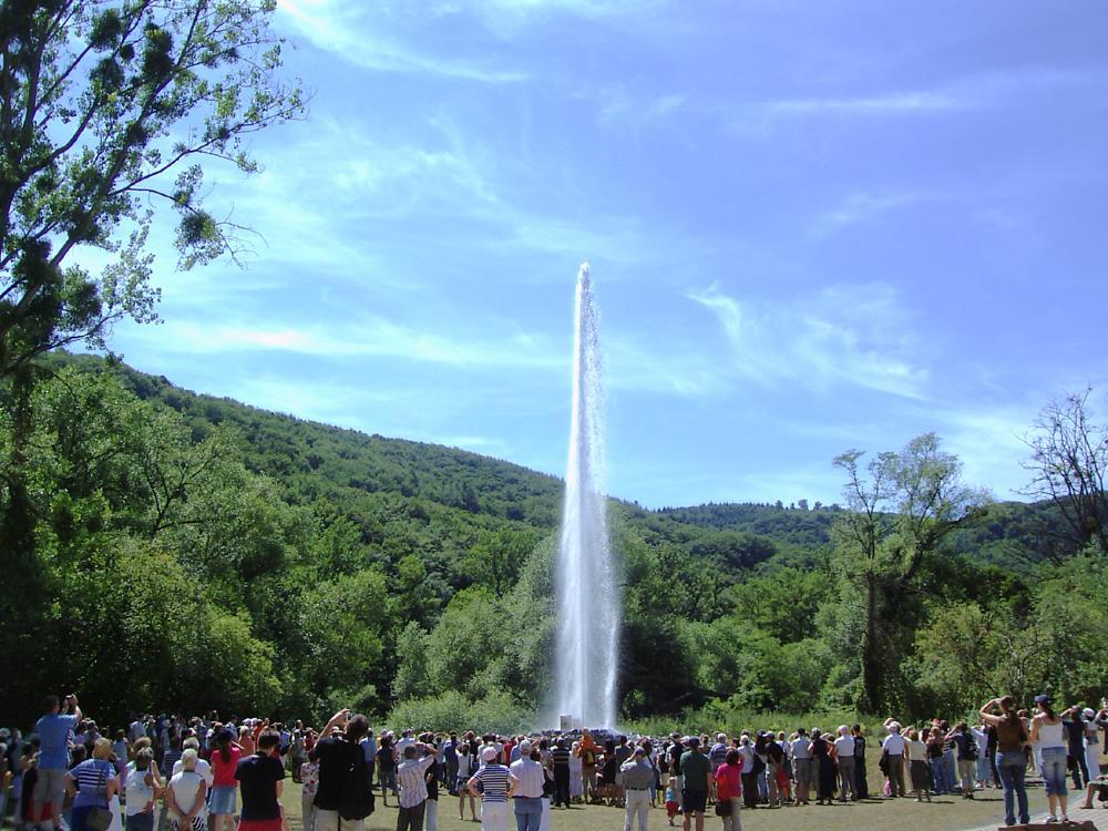 Da geht der Geysir ab! In Andernach am Rhein spritzt das Wasser aus der Erde! Foto: (c) Romantischer Rhein Tourismus GmbH