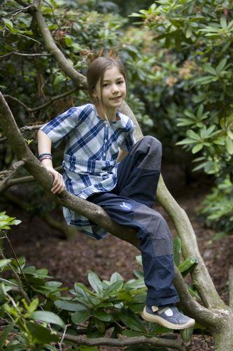 Großes Abenteuer draußen, statt kleinkrariert zuhause. elkline bietet für Frühjahr und Sommer 2013 coole Blusen und Hemden an. Foto:(c) elkline mit freundlicher Erlaubnis