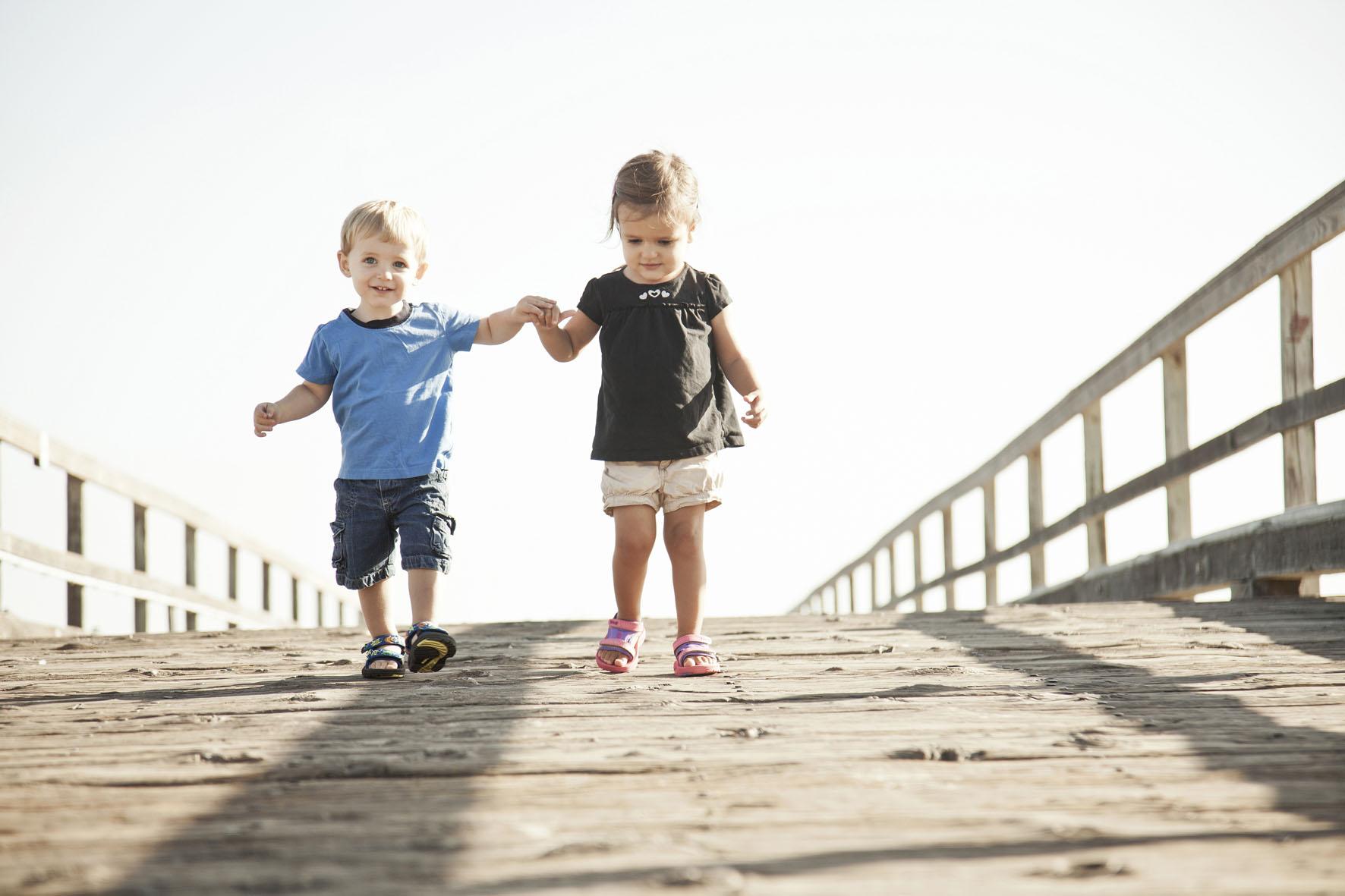 Kinder haben im Sommer mit Teva Sandalen ihren großen Auftritt. Foto: (c) Teva