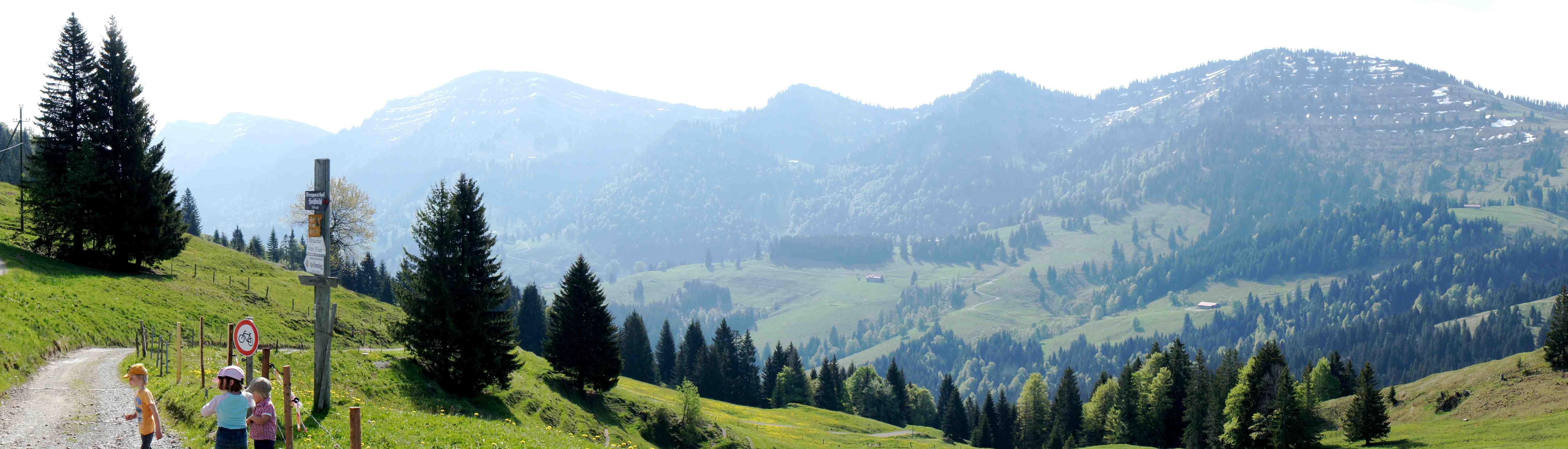 Hot days, cold nights? Im Allgäu probierte ich den Sommerschlafsack Helium 250 von Mountain Equipment aus. Foto: (c) Kinderoutdoor.de