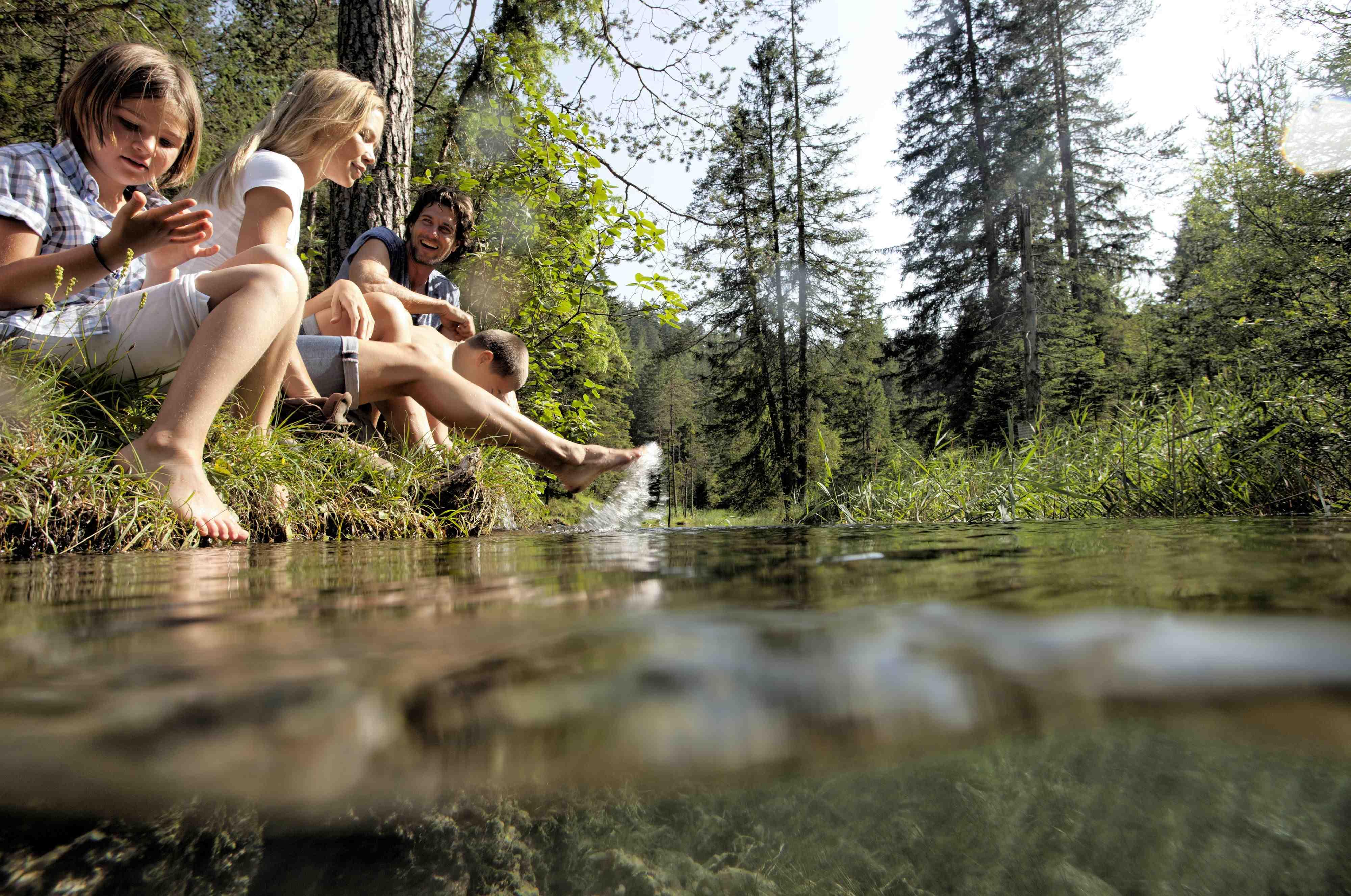 Wasser marsch! Im Sommer 2013 feiert der Wassererlebnisweg an der Tiroler Zugspitz Arena seine Premiere. Schaut doch mal vorbei mit Eueren Wassernixen und Wassermännern. Copyright: Tiroler Zugspitz Arena/U. Wiesmeier