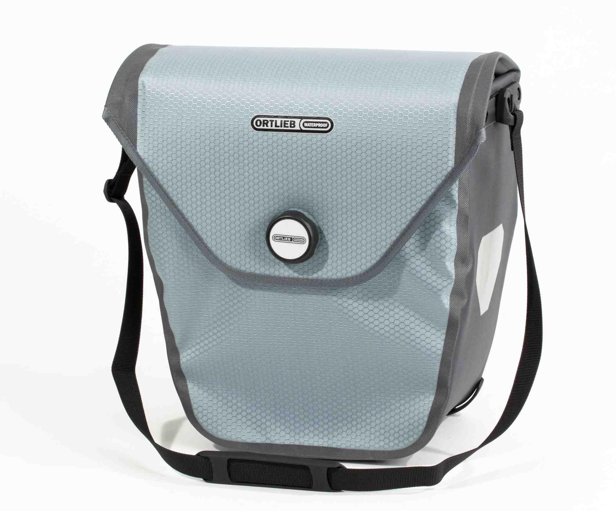 Eine ausgeklügete Radtasche von Ortlieb ist das Modell Velo-Shopper. Praktische Ideen und das Material ist PVC frei. Foto: (c) Ortlieb
