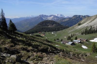 Oberhalb vom Spitzingsee liegt die Schönfeldhütte vom DAV. Eine ideale Unterkunft für Familien.  Foto: (c) Gerhard Eichstetter  / pixelio.de