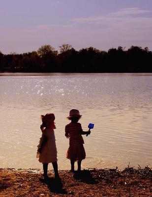 """Freizeit mit Kindern kann für die Eltern schnell ein Problem sein. Die Reiseführer """"Mit Kindern"""" vom PMV Verlag helfen weiter. Foto: (c) Helene Souza  / pixelio.de"""