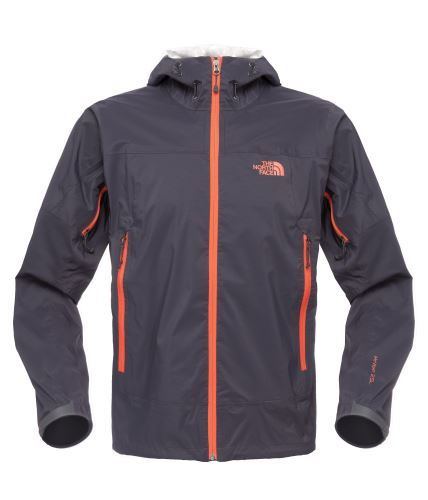 Leichte Jacke für schwere Wetter. The North FAce verwendet beim Men´s Pursuit Jacket eine Hy Vent 2,5L Membrane. Foto: (c) The North Face