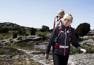 """Chris Semmel vom VDBS: """" Kindertragen sollten nicht dazu benutzt werden stundenlange Bergtouren für den eigenen """"Ego"""" und auf Kosten der Kinder zu unternehmen. Wichtig ist es oft genug Pausen zu machen und die Kinder sich wieder selber bewegen zu lassen."""" Foto: (c) Osprey"""