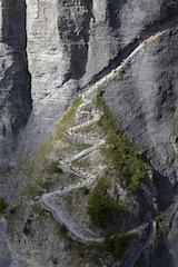 Mähwerke im Anamarsch! Auf der Belalp im schweizerischen Wallis, gibt es einen Almabtrieb der Schafe. © Valais/Wallis Promotion/