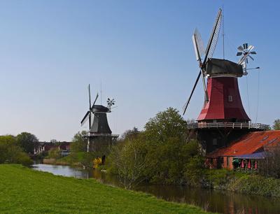 So könnt Ihr beim Urlaub in Ostfriesland Euere Zeit aktiv verbringen: Bei einer Radtour mit den Kindern. Foto: Erich Westendarp  / pixelio.de