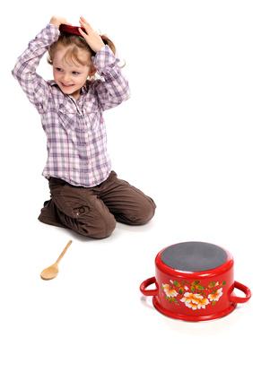 Bei der Kindergeburtstags Mottoparty Ritter gehört das Helmschlagen dazu. © Text und Gestaltung - Fotolia.com