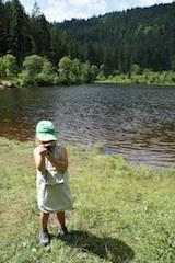Geocaching ist kinderleicht! Damit die Outdoor Kinder perfekt ausgerüstet zum Geocaching gehen, haben wir eine Packliste für Euch erstellt. Foto: (c) Kinderoutdoor.de