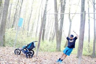 Mit dem Jogger Kinderwagen sind Eltern sportlich unterwegs.  Foto. (c) kinderoutdoor.de