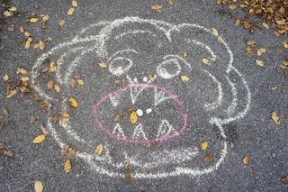 Löwen füttern! Ein Wurfspiel bei der Schnitzeljagd am Kindergeburtstag. Foto. (c) Kinderoutdoor.de