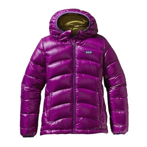 Eine Patagonia Jacke für Kinder die heiß aussieht und im Winter richtig warm hält: Girls Hi-Loft Down Sweater Foto: (c) Patagonia