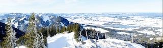 Große Freiheit in den winterlichen Bergen: Skitouren gefallen auch Kindern.  Foto: (c) Kinderoutdoor.de