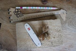 Basteln mit Naturmaterialien: Tic Tac Toe, ein tausende Jahres altes Spiel. Hier ist alles was Ihr dazu braucht. Foto: (c) Kinderoutdoor.de