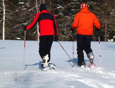 Schneeschuhwandern ist im Fichtelgebirge genau so schön, wie in Kanada. Foto: (c) Rainer Sturm  / pixelio.de