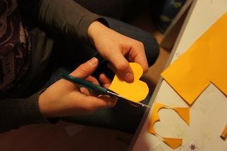 Jetzt die Plätzchen ausschneiden.  Foto: (c) Kinderoutdoor.de