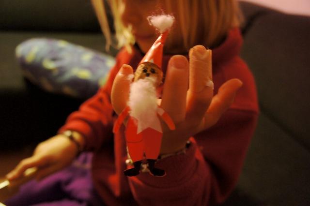 Fertig ist die Fingerpuppe! Mit mehreren könnt Ihr kleine Kasperlstücke aufführen. Foto(c) Kinderoutdoor.de
