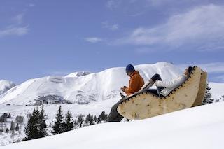 Einfach mal nichts tun, während die Kleinen im Skikurs sind.  Fotoquellewww.foto-mueller.com Serfaus-Fiss-Ladis