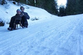 Hohes Tempo statt gepflegter Langeweile: Die Schlittenbahn auf der Alpspitz. Foto: (c) Kinderoutdoor.de