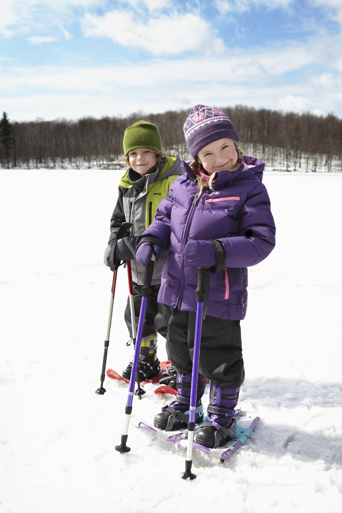 Kinderbekleidung kommt jetzt auch von Kamik. Ab sofort ist die Regenkleidung für die Outdoor Kids erhältlich. Foto. (c) Kamik