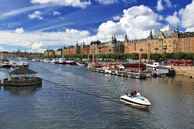 Hostelling International ist auch in Stockholm stark vertreten. Wie wäre es mit einer Übernachtung in einem Jumbo-Jet? In schwedens Hauptstadt ist das möglich.  Foto (c) detlef menzel  / pixelio.de