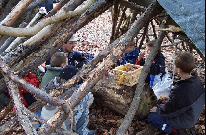 Im Wald da sind die Kinder! Querwaldein bringt Kleinen und Großen den Wald wieder nahe. Foto: (c) www.QuerWaldEin.de