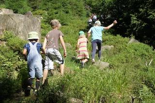 Alle in den Wald zur Schnitzeljgad! Foto (c) Kinderoutdoor.de