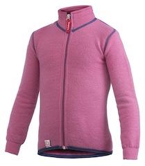 Woolpower stellt aus einem ungewöhnlichen Stoff das Kids Full Zip Jacket 400 her. foto. (c) woolpower