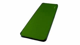 Ein grünes Wunder mit der Isomatte erleben: Der Camping Spezialist Oase bietet in seiner neuen Kollektion Isomatten von 3 bis 7,5 cm Dicke an. Foto: (c) Oase Outdoors ApS