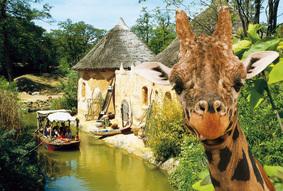 Im Erlebnis Zoo Hannover schippern die Kinder auf dem Sambesi..... Foto (c) Erlebnis Zoo Hannover