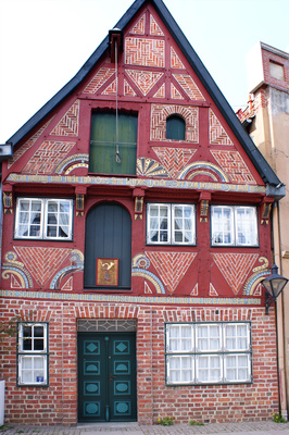 In Lüneburg können die Stadtführung für Kinder auch kostümierte Guides leiten.  foto (c) Bernd Kasper  / pixelio.de