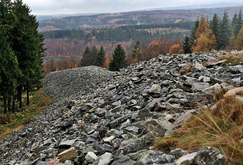 Fleißig, fleißig die alten Kelten! Sie schütteten diesen Wall bei  Otzenhausen auf. Foto: Cayambe; Wikipedia Lizenz: Creative Commons by-sa 3.0 de