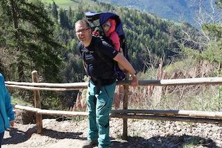 Das Ziel ist erreicht und dem Rücken geht es ganz gut. Foto (c) Kinderoutdoor.de