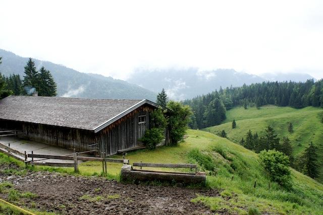 Senner auf Zeit beim Urlaub in Bayern. Foto (c) Kinderoutdoor.de