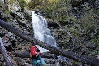 In Klammen der Bayerischen Alpen gibt es lohnenden Wanderungen. Stefan Herbke weiß wo. Foto (c) Kinderoutdoor.de