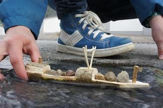 Leinen los mit unserem geschnitzten Frachter! foto (c) Kinderoutdoor.de