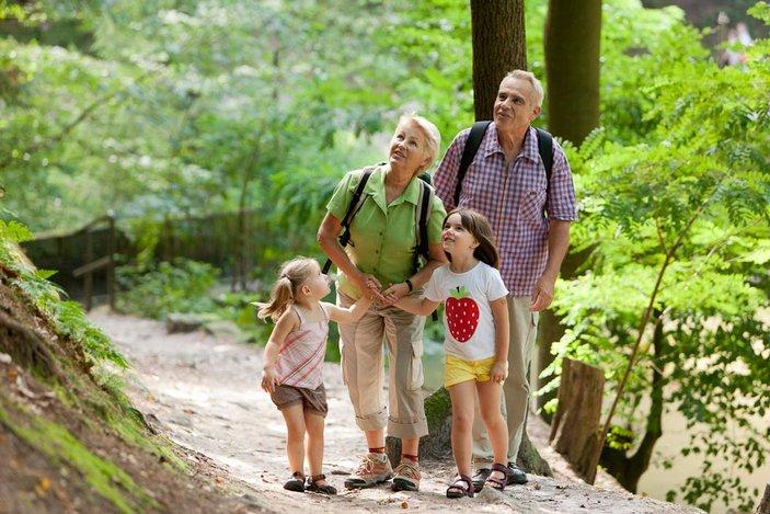 Wander in der Sächsischen Schweiz: Da sind selbst Kinder begeistert dabei! Foto: Michael Bader/Tourismusverband Sächsische Schweiz e.V.