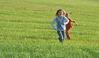 Los geht´s bei der Kinderolympiade.  Foto (c) Rainer Sturm  / pixelio.de