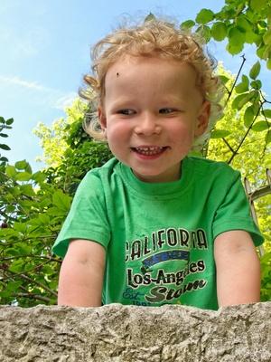 Auch die ganz Kleinen haben Spaß an der Kinderolympiade. Foto (c) Alwin Gasser  / pixelio.de