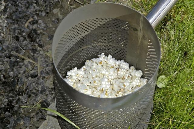 Die Alternative zum Stockbrot: Popcorn. Foto (c) Venatus