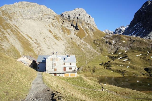 Bei Berghütten die beliebt sind, wie die Rappenseehütte, solltet ihr vorreservieren.  Foto (c) Kinderoutdoor.de