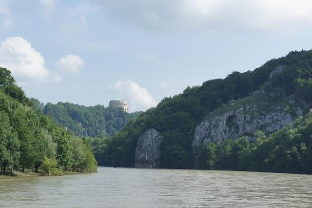 Auf los geht´s Floss! Auf der Donau macht es richtig Spaß zu schippern.  foto (c) Kinderoutdoor.de