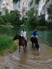 """Urlaub auf dem Bauernhof: Auch für Pferdefreunde ist auf dem Gutshof Käppeler was dabei. Foto: Gutshof Käppeler, Fam. Käppeler, Beuron-Thiergarten"""""""